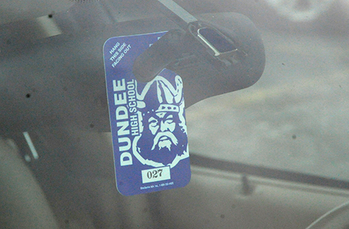 Dundee High School issues parking permits to students