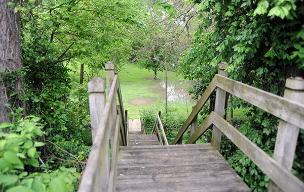 Petersburg to eliminate park stairs